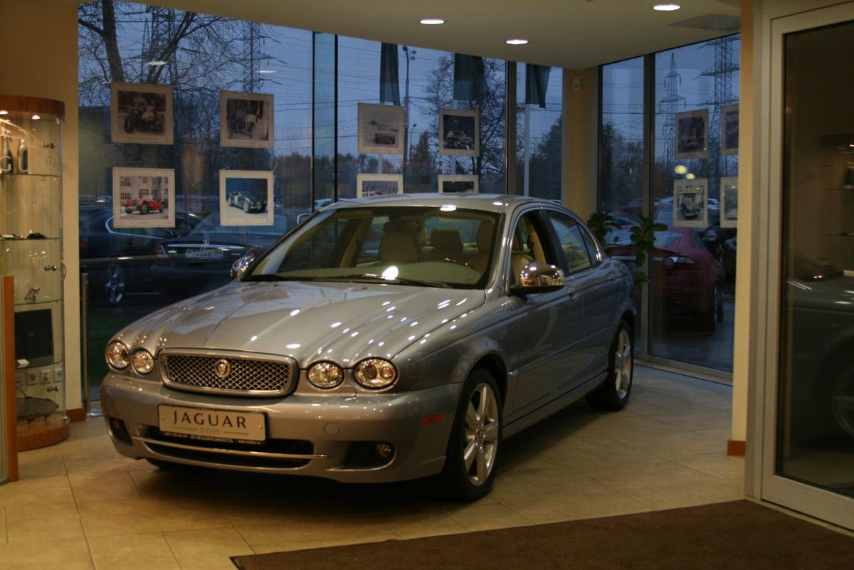 Jaguar в салоне Независимость
