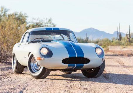 Аукцион Jaguar E-Type Lightweight