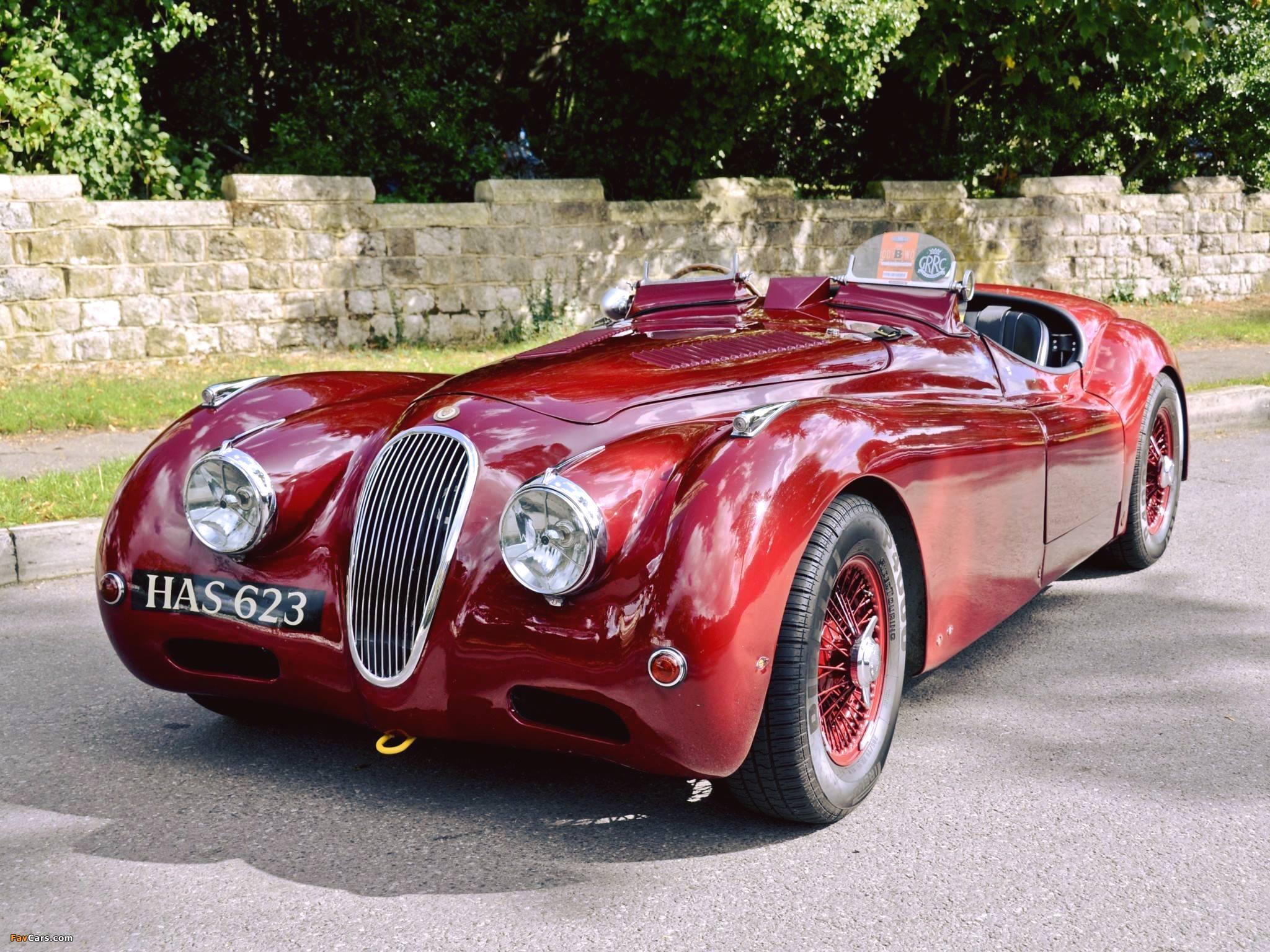 Красный Jaguar XK120