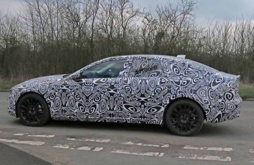 Шпионское фото Jaguar XE Long