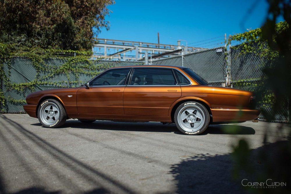 Оранжевый Jaguar