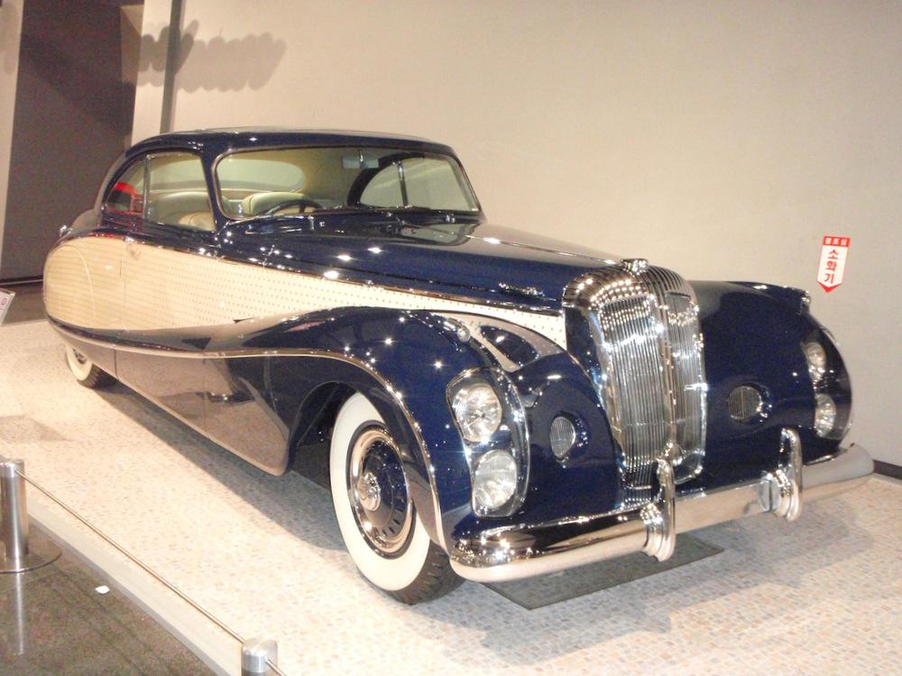 Автомобиль Daimler