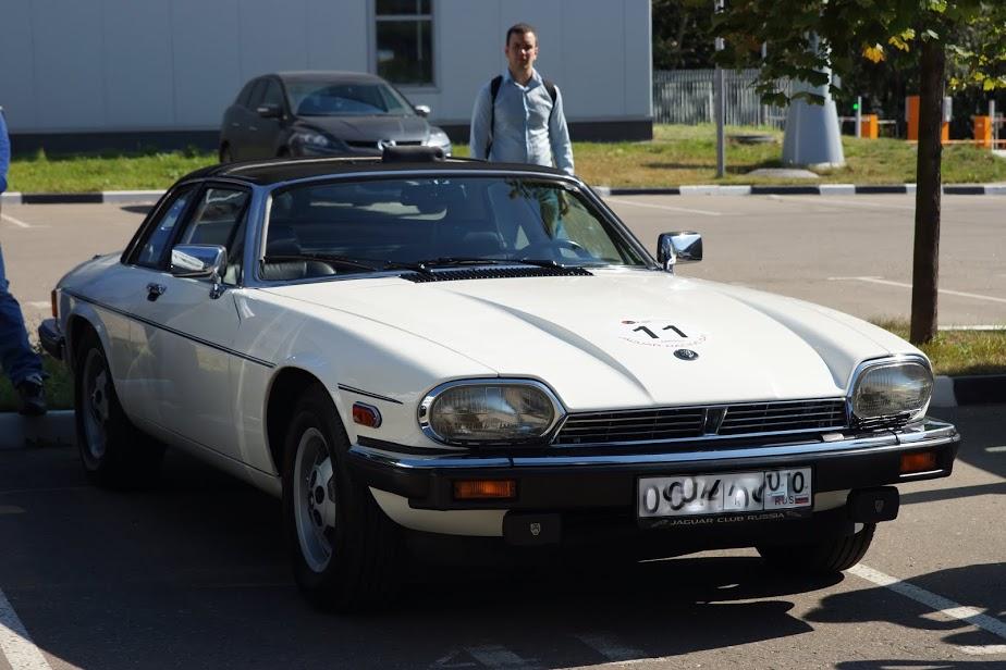 Белый Jaguar XJS