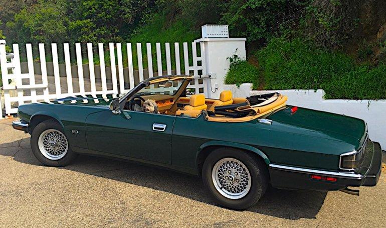 Зеленый Jaguar XJS