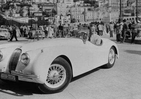Jaguar XK120 родстер в фильме Последний раз, когда я видел Париж