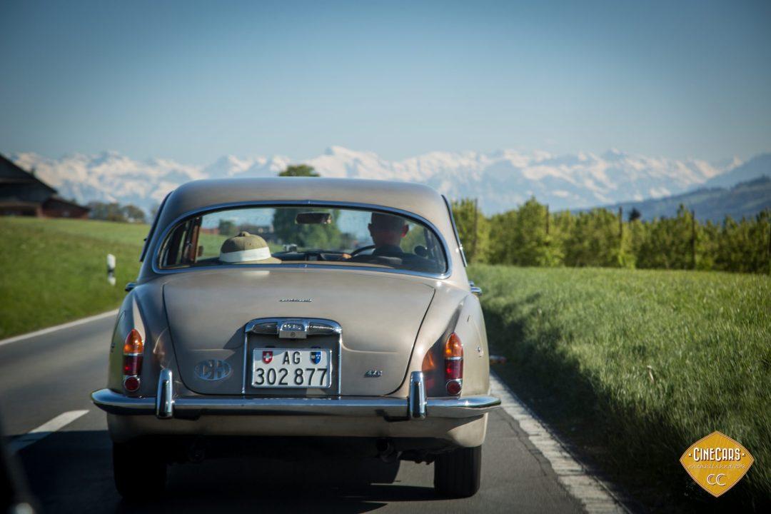 Автомобиль Jaguar 420