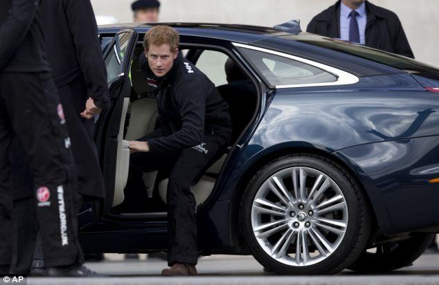 Принц Гарри в Jaguar