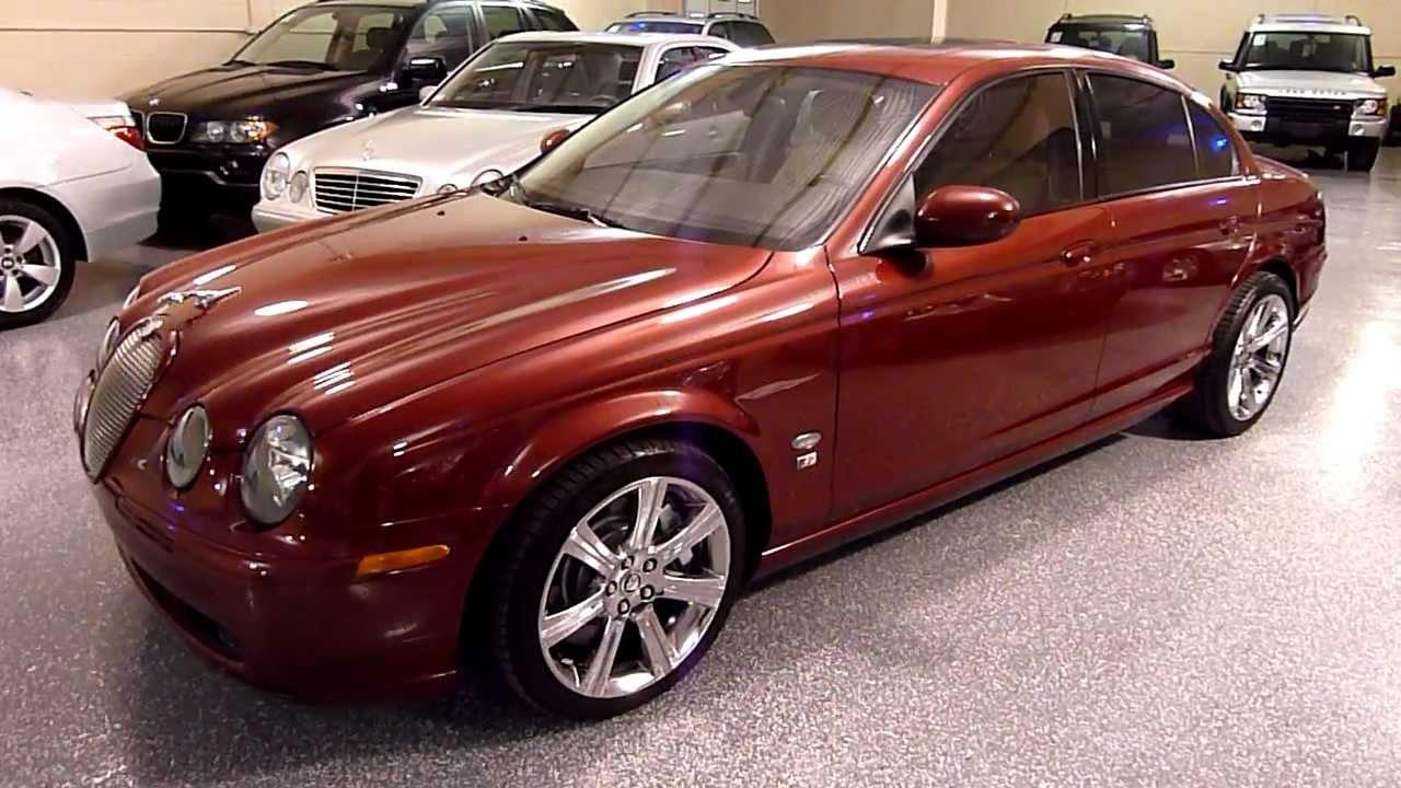 Красный Jaguar S-Type (X200)