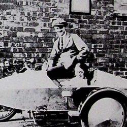 Уильям Уолмсли на Swallow Sidecar model 4