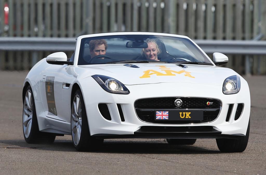 Принц Гарри и Jaguar F-Type