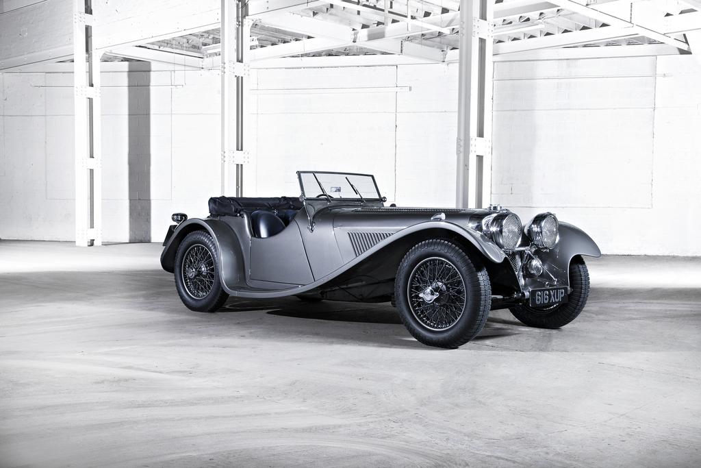 Jaguar 100 первый спорткар