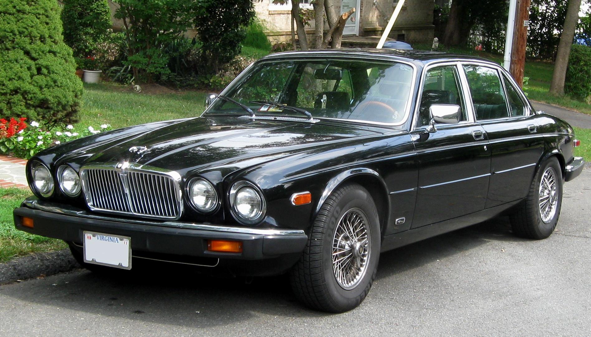 Jaguar XJ6 четырехдверный