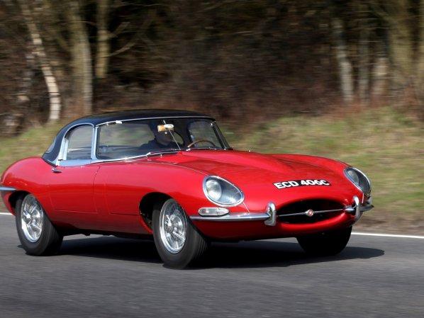 Красный Jaguar E-Type Series 1
