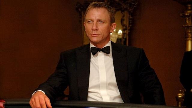Daniel Craig в роли Джеймса Бонда