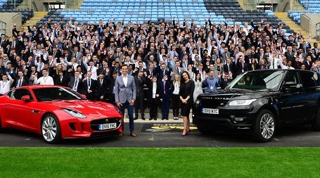 Jaguar Land Rover сотрудники