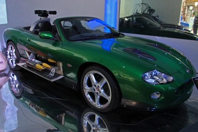 Jaguar XKR кабриолет бондиана