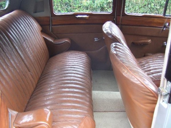 Jaguar Mark IV Saloon seats