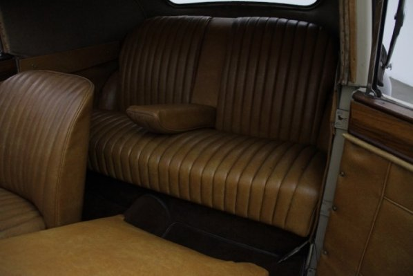 Jaguar Mark IV Drop Head Coupe seats