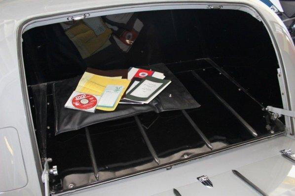 Jaguar Mk 5 Saloon luggage accommodation