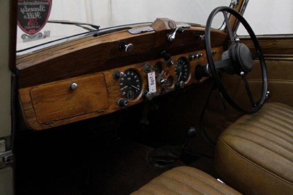 Jaguar Mk IV DHC interior