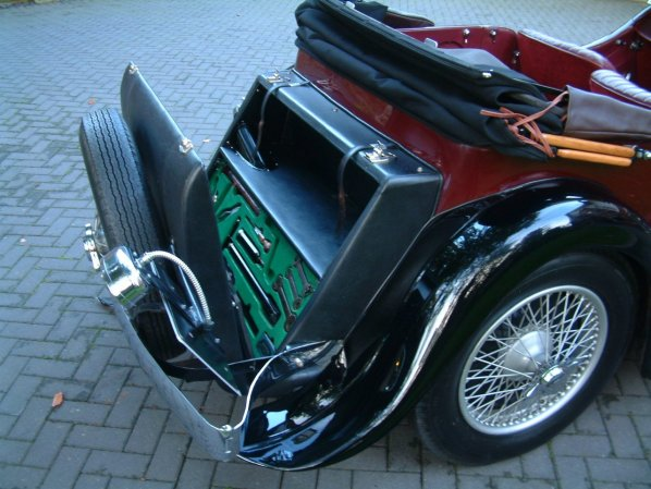 SS Jaguar Tourer trunk