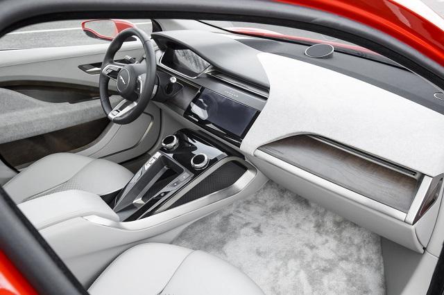 Jaguar I-PACE перчаточный ящик