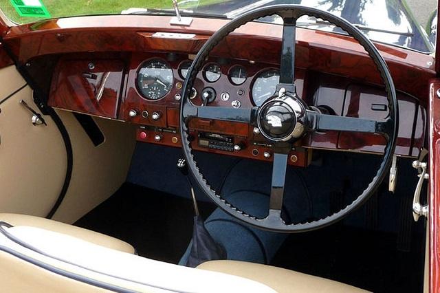 Jaguar Mark V перчаточный ящик