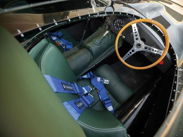 Jaguar D-Type Long Nose interior