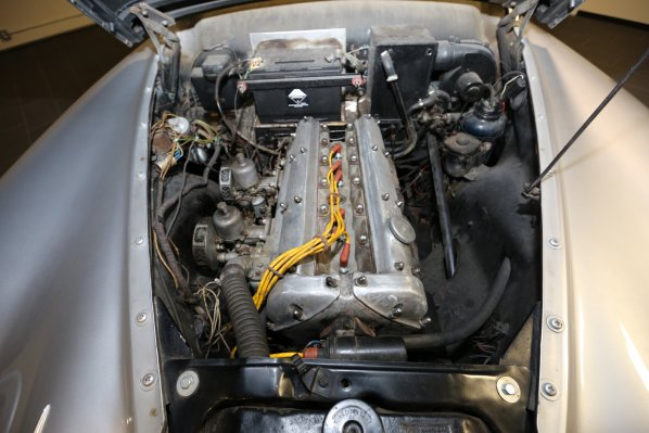 Jaguar Mark VII Type M engine