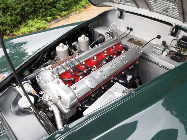 Jaguar XK120 LT Replica engine