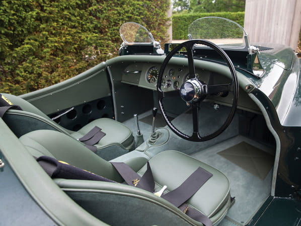 Jaguar XK120 Silverstone interior