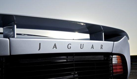 Супер кар Jaguar XJ220