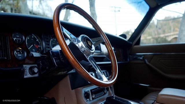 Руль автомобиля Jaguar XJ 6C