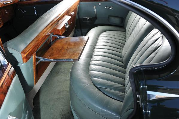 Jaguar Mark 8 seats