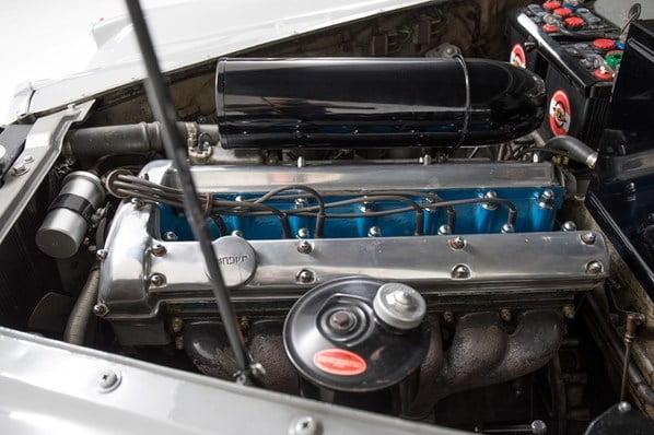 Jaguar Mk 9 engine