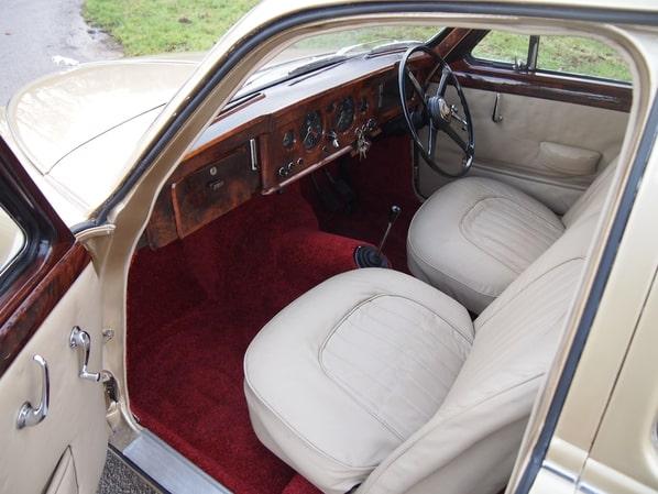 Jaguar MK I interior