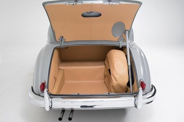 Jaguar Mk Nine
