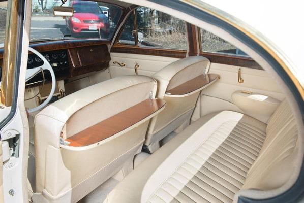 Gold Jaguar Mark 2 recreation