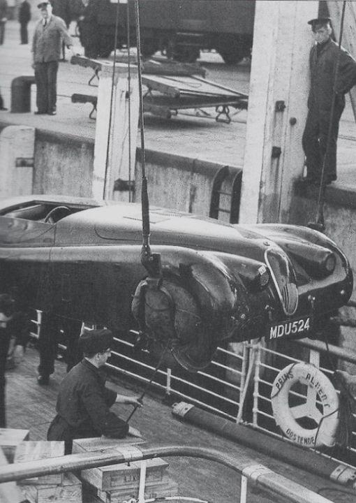 Jaguar XK120 Jabbeke Special loading on the ship Prince Albert