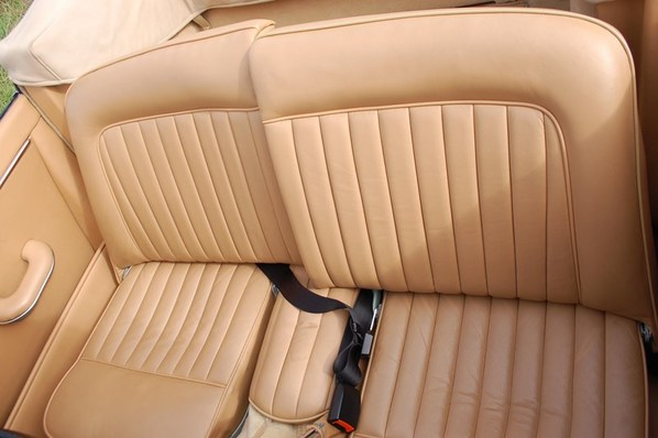 Jaguar XK150 Convertible seats