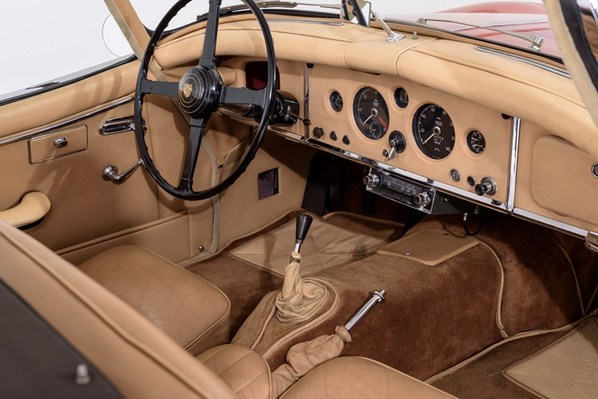 Jaguar XK150 Roadster interior