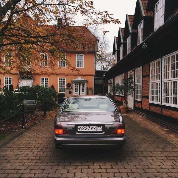 Классический Jaguar XJ в Европе