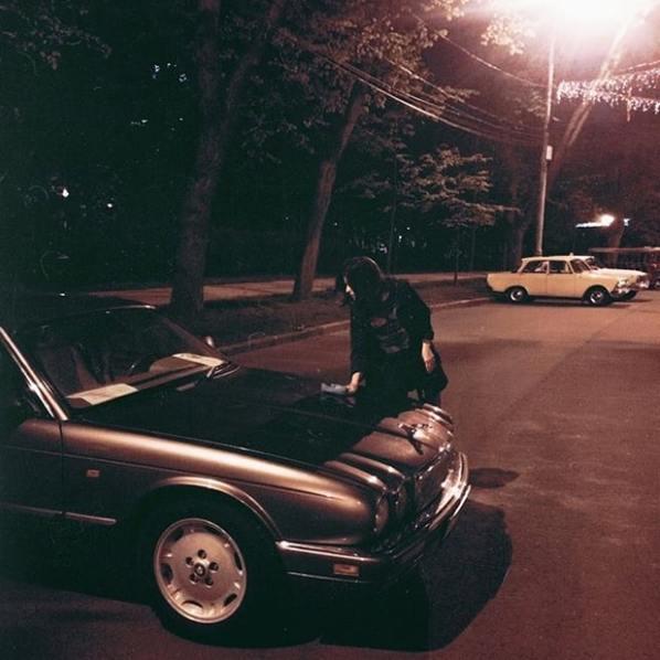 Вечерний Jaguar XJ в Москве