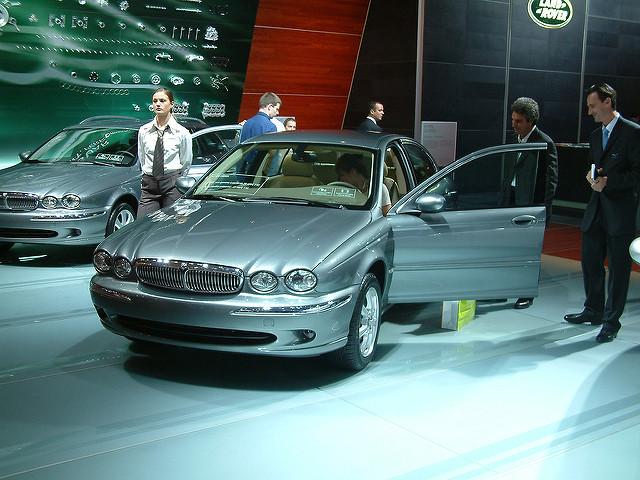 Jaguar X-Type компактный седан