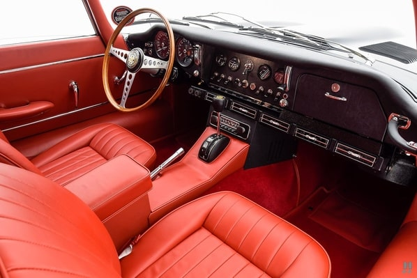 Jaguar E-Type Series 1 2+2 Coupe interior
