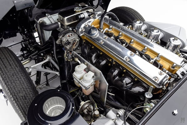 Jaguar E-Type Series 1 2+2 engine