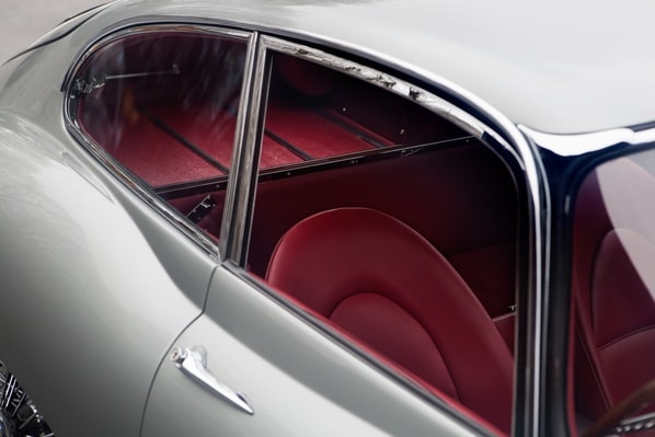 Jaguar E-Type Series 1 FHC