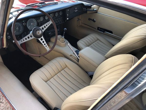 Jaguar E-Type Series 1.5 interior