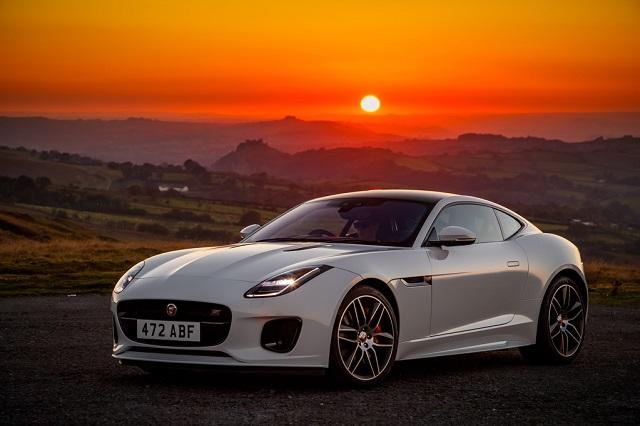 Спорткар Jaguar F-Type