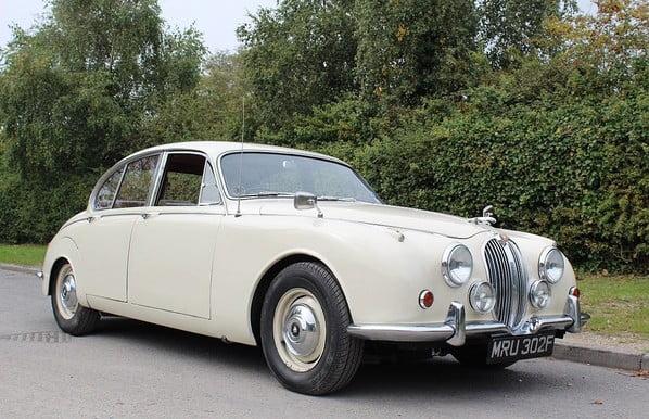 Jaguar 240 (Jaguar Mk 2)
